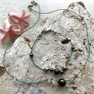 Krystal smykke med shungit, hæmatit og ferskvandsperler