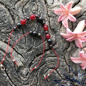 Krystal smykke med shungit, hæmatit, pyrit og røde jadeperler